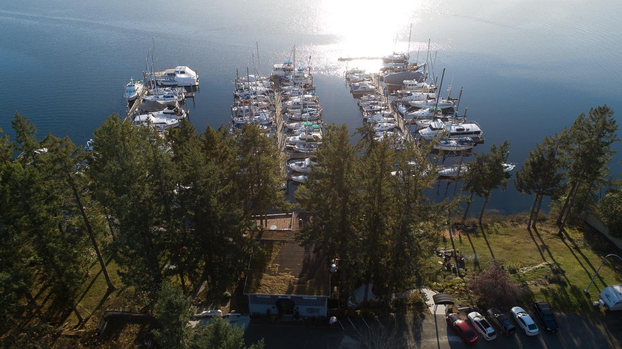 Raven Point Marina